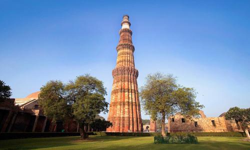 Tourist Places - Qutub Minar - travelmaniak.info