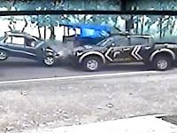 CCTV – Detik-detik Tabrakan Mobil Polisi vs Sedan di Pati