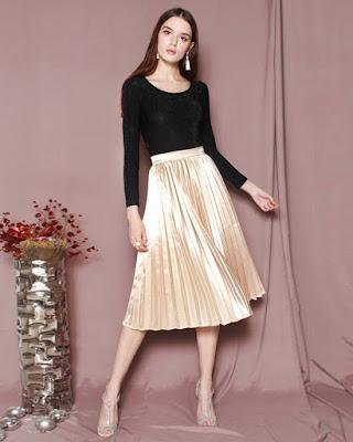 Baju kaos hitam manis A-Line Skirt