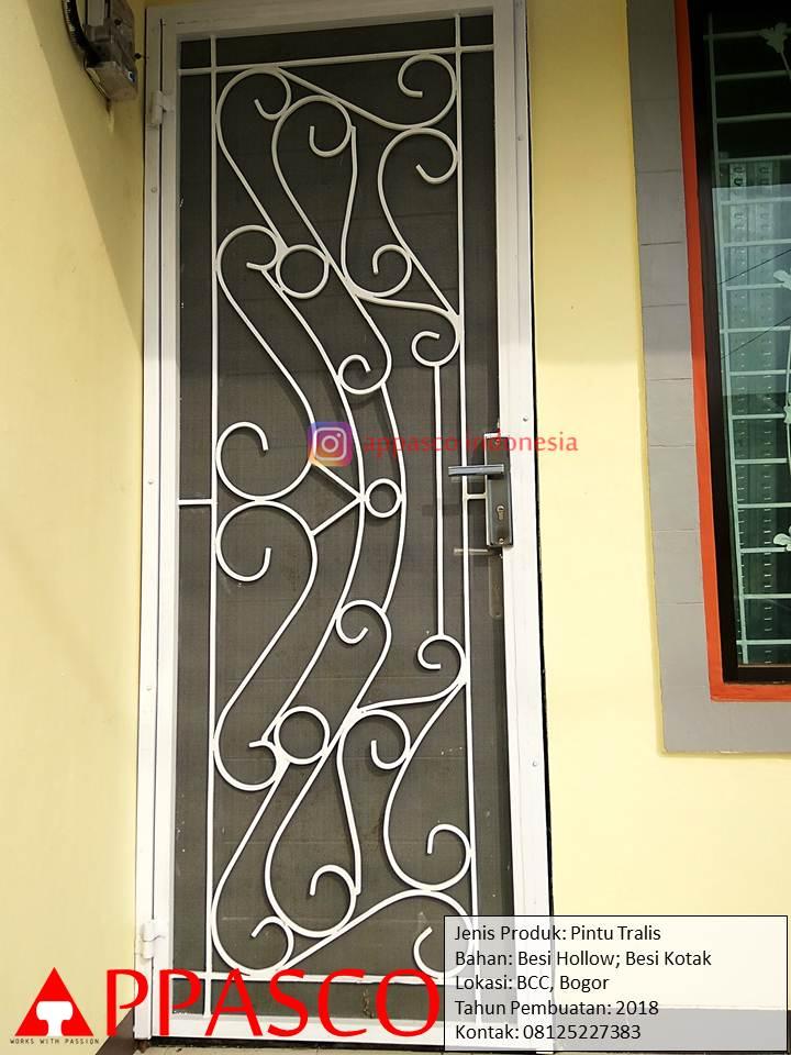 Pintu Teralis Besi Hollow Kotak Minimalis di BCC Bogor