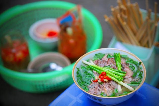 Top 8 junk food streets in Hanoi 2