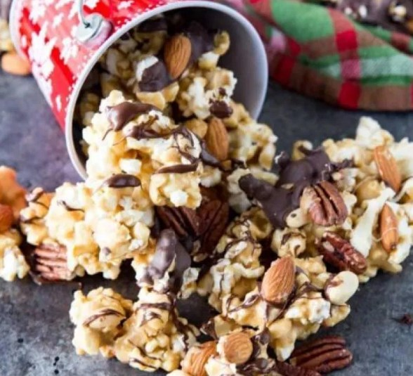 Caramel Moose Munch Fancy Popcorn #desserts #snack