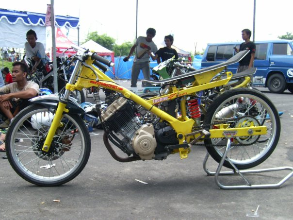 contoh modifikasi motor fiz r drag