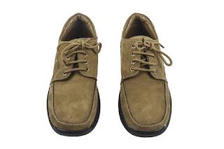 perawatan sepatu kulit agar tampak baru