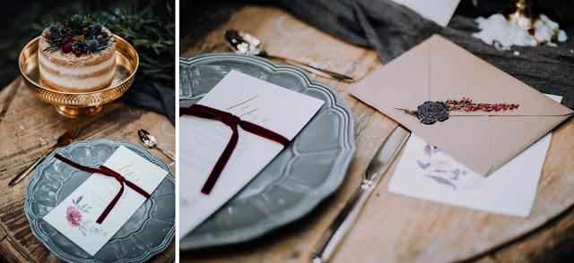 Przepiękna papeteria z motywem fioletowo, bordowych kwiatów White Letters. Stylizowana sesja zdjęciowa Bridal Blog.