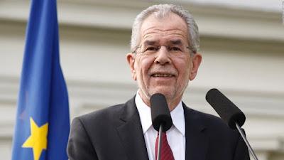Perangi Islamphobia, Presiden Austria Usulkan Wanita Gunakan Ini