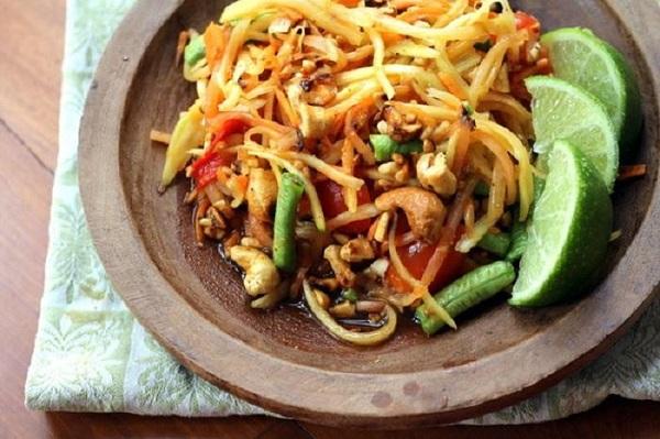 Som Tum Thái món ăn truyền thống Thái Lan