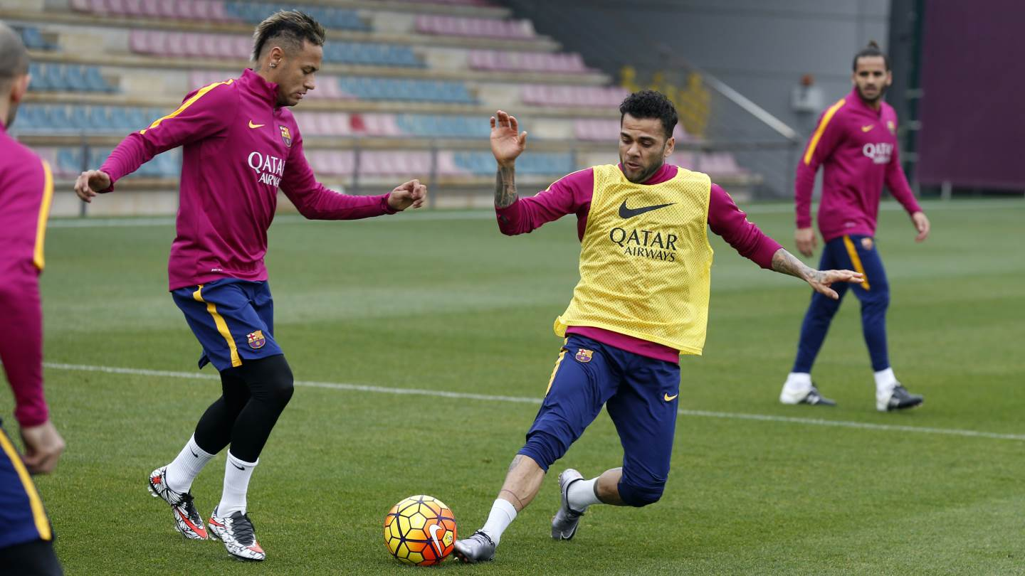 b3d97a8a9df ... FC Barcelona Superstar Neymar Shows Off Two Different Camouflaged Nike  Hypervenom Boots ...