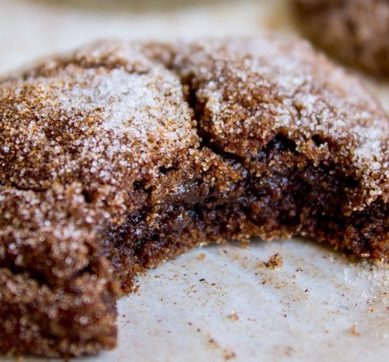 Mexican Hot Chocolate Cookies (Chocolate Snickerdoodles) #desserts #cinnamon