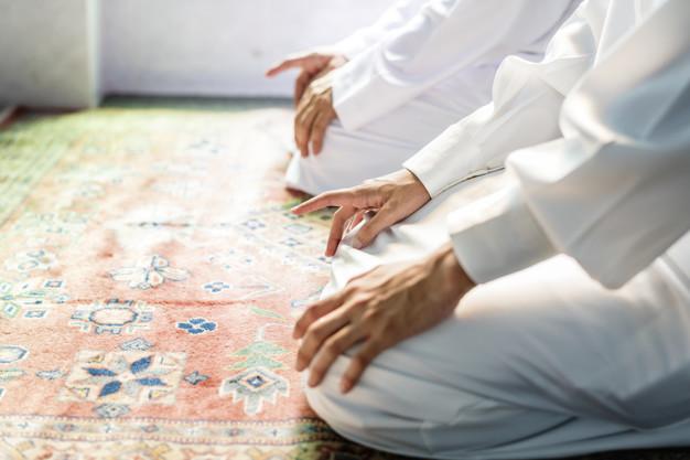 Penjelasan Hukum Musafir Menjama' Shalat Jum'at dan Ashar
