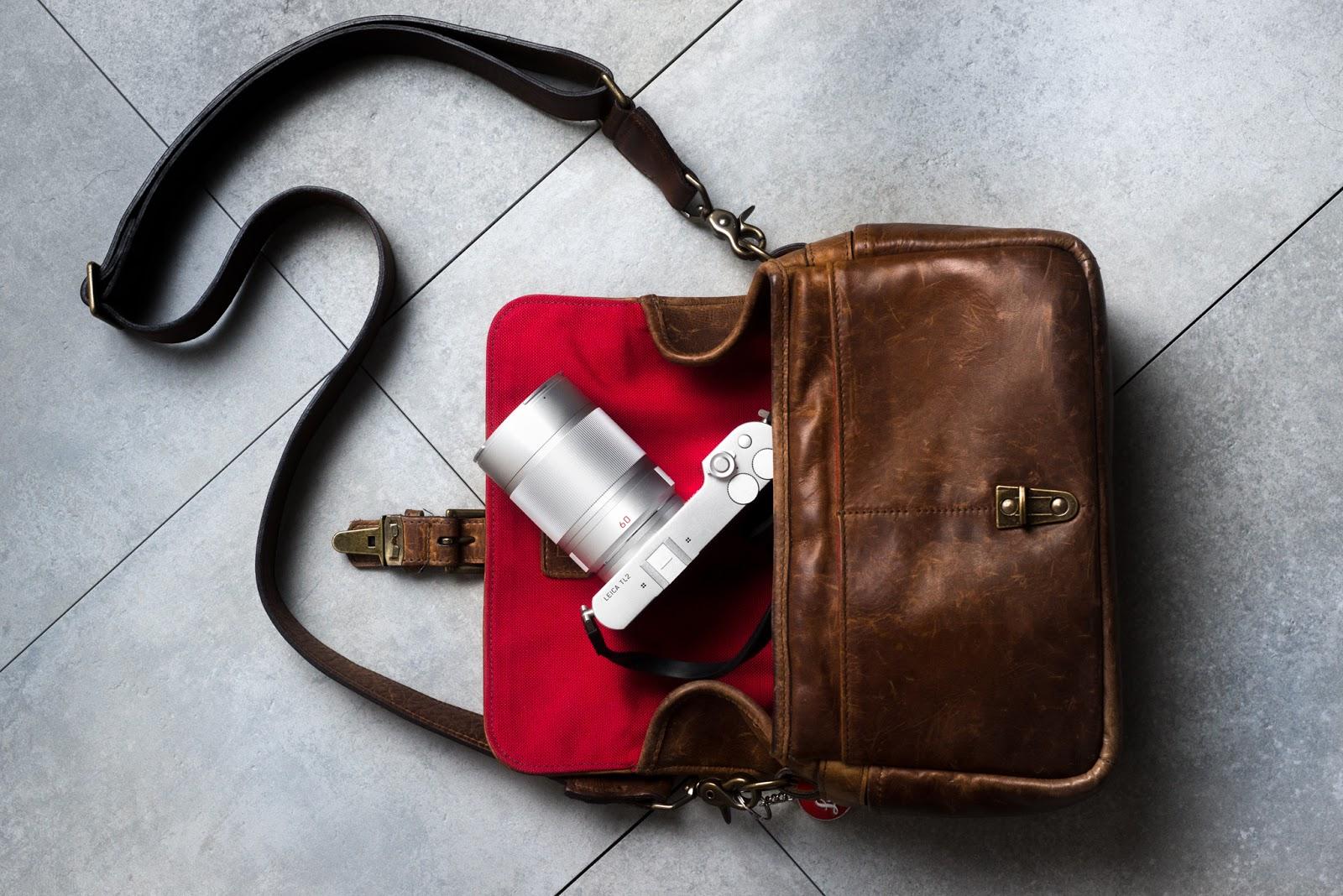 Leica TL2 в кожаной сумке