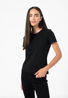 Gant - Дамска Тениска от жарсе с овално деколте
