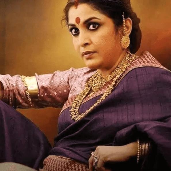 पुलिस कस्टडी में आई 'बाहुबली' की मां 'शिवगामी' उर्फ राम्या कृष्णन