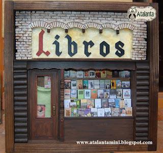Sala Libros- librería Palacio de Fuenclara Zaragoza - Atalanta Miniaturas