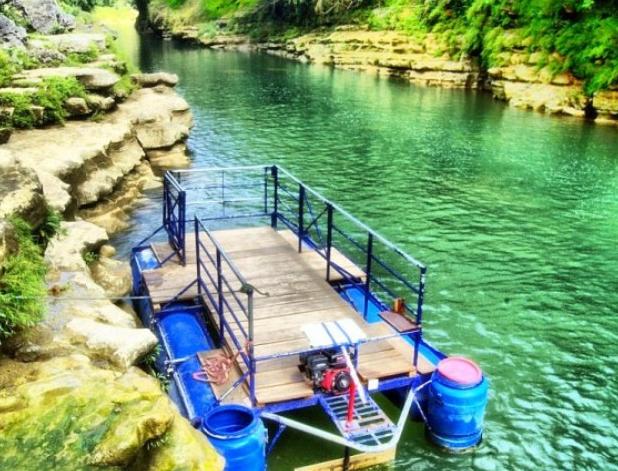 Perahu Rakit di Air Terjun Sri Gethuk