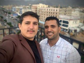 عماد صالح وعبدالمجيد في سطح الجامعة