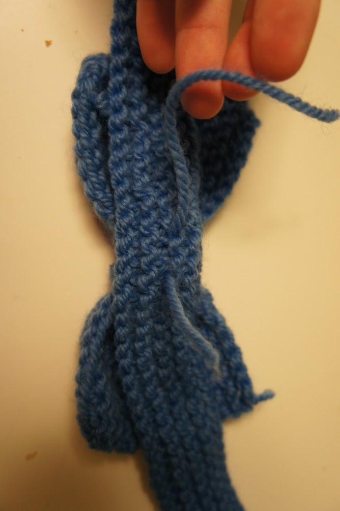 A Stitch of Kate: Knit Bow/ Bow Tie Tutorial
