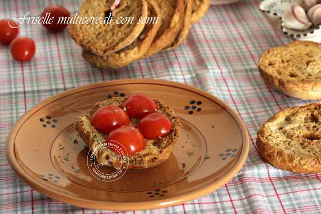 pane_croccante_pomodori_olio