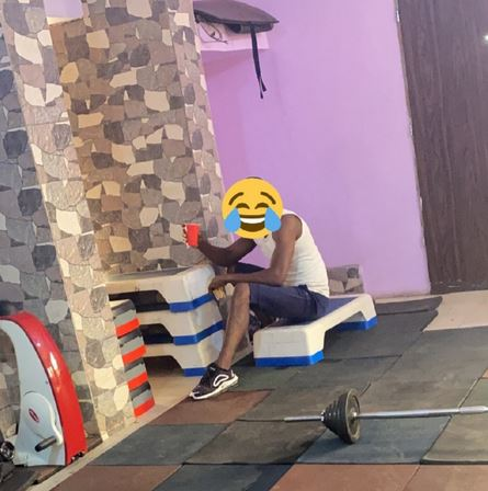 Funny😂  As Man was seen in Gym With Bread And Tea And Stops Mid-exercise To Eat
