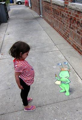 Dibujo de Alien en la calle
