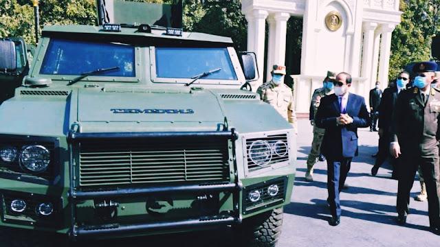 السيسي يتفقد مدرعات جديده من تطوير الجيش المصري1
