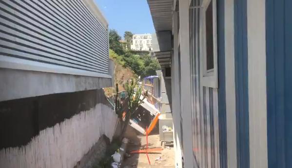 Tragedia a Capri, minibus fuori strada: 1 morto e una decina di feriti