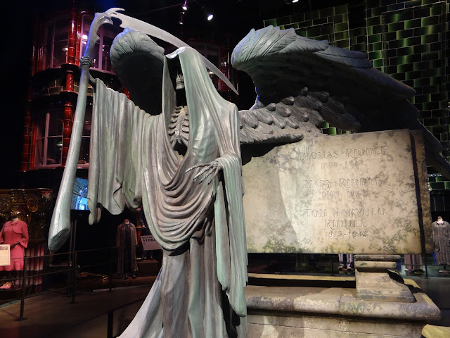The Warner Bros. Studio Tour: Tom Riddle's Grave