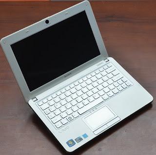 Jual Netbook Bekas Sony Vaio VPCW121AX