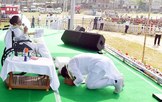 मुख्यमंत्री ममता बनर्जी की पैर की चोट