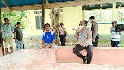 Kapolres Malra AKBP Alfaris Pattiwael S.Ik memberikan sosialisasi kepada warga Ohoi (Desa) Wain Kecamatan Kei Kecil TimuR