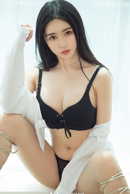 Hot and sexy photos of beautiful busty asian hottie chick Chinese booty model Merry photo highlights on Pinays Finest sexy nude photo collection site.