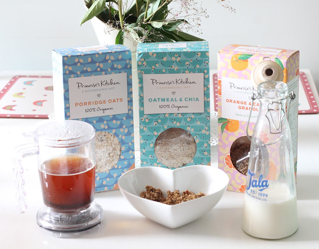 a review of Primrose's kitchen cereals suitable for naturopathic diets, wheat free, gluten free, paleo and vegan orange & cashew granola, oatmeal & chia and porridge oats
