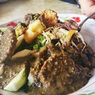 Kuliner Indonesia -  Rujak Cingur Ahmad Jaiz