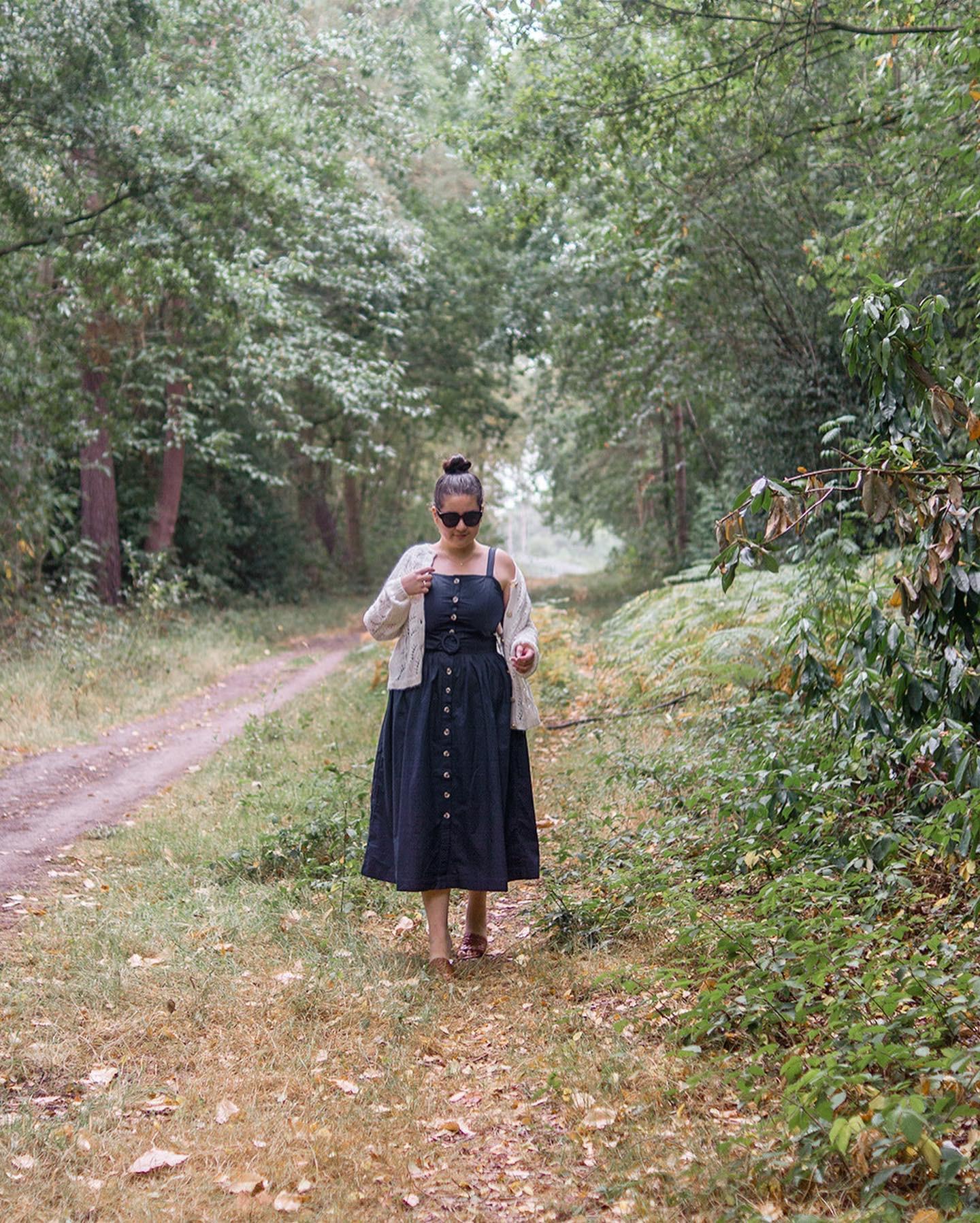 Midsize-classic-style-summer-dress