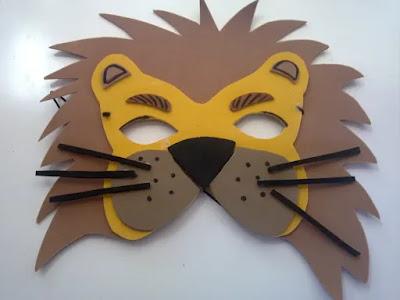 máscara de león en foami