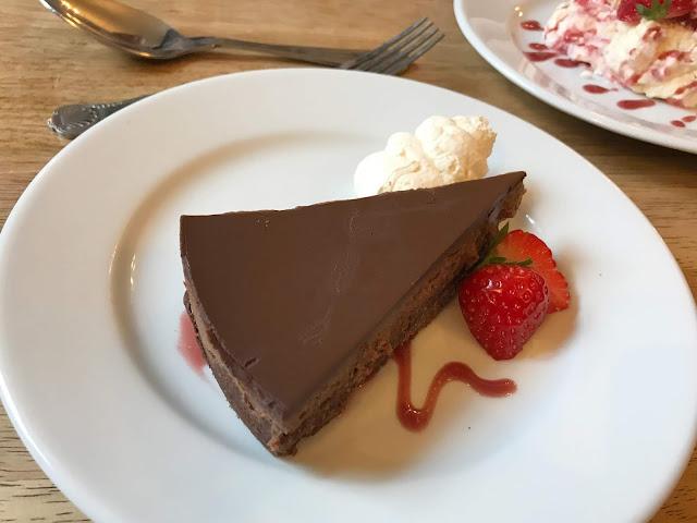 chocolate torte with cream pudding