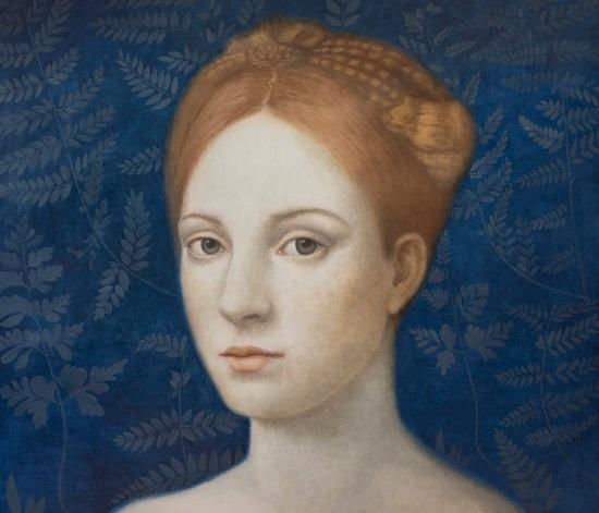 Obra de arte: retrato de una joven con mirada fija al espectador,al fondo con detalles naturalistas: hojas de plantas.