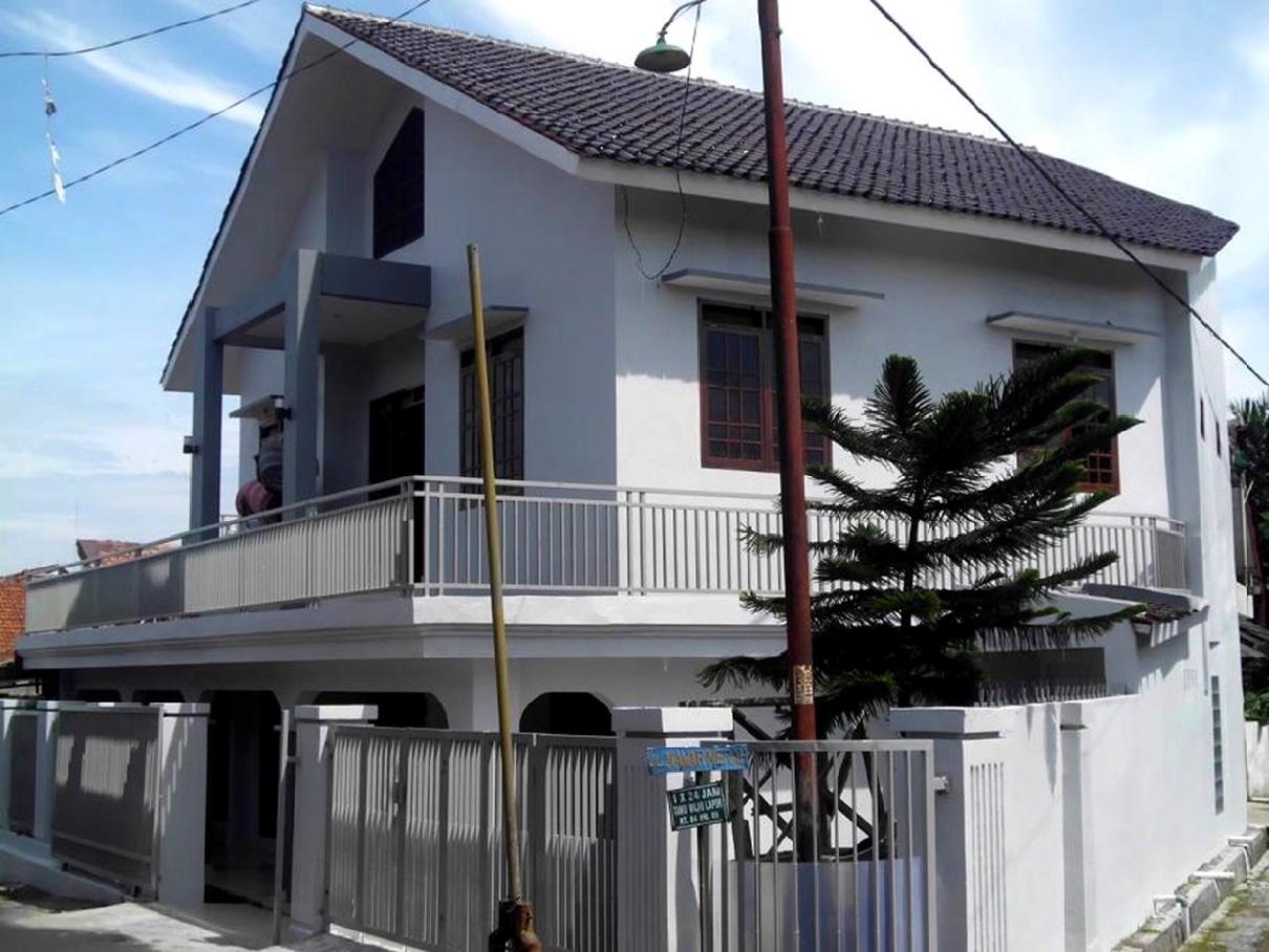 Hasil proyek Renovasi & pengembangan rumah 2 Lantai milik Bpk Danni Budiadi & Ibu Bernie di Taman Cibalagung Jl. Aria Suryalaga, Bogor, Tahun 2013