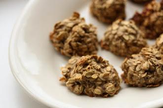 Cookies sanatoase din doar 2 ingrediente: fulgi de ovaz si banane