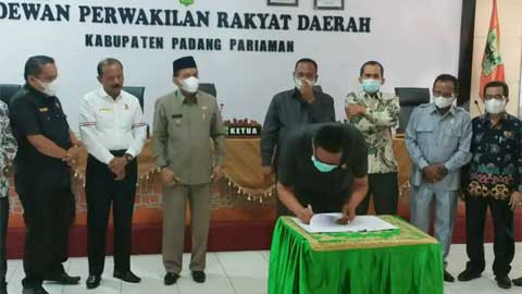 Fraksi Sampaikan Pendapat Akhir Ranperda RPJMD Padang Pariaman 2021-2026