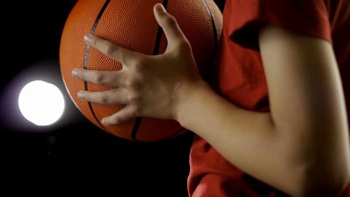 Permainan Bola Basket Adalah Pengertian Sejarah Peraturan Dan Teknik Dasar Saturadar Com Portal Informasi Indonesia
