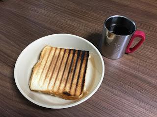 LAVA ホットサンドトースター 焼きあがったホットサンド