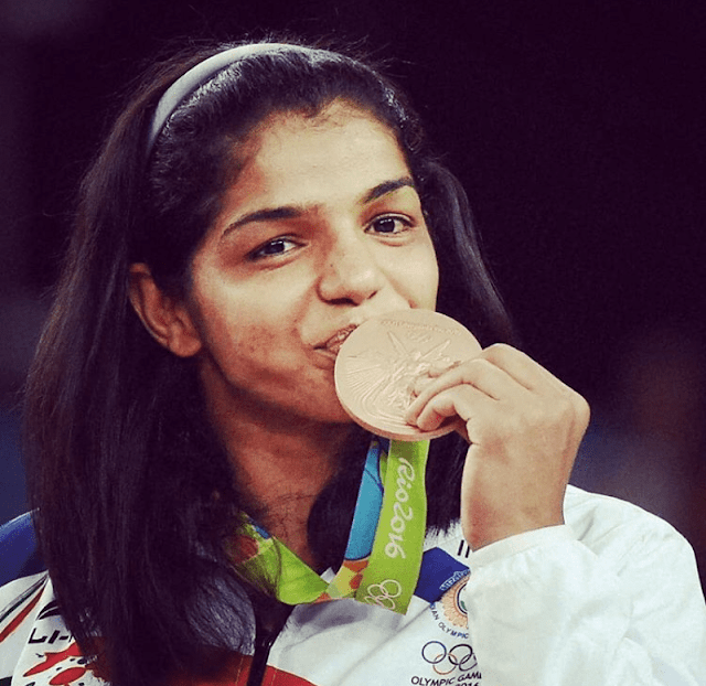 Sakshi Malik (Wrestler) Biography, Wiki, Age, Height, Weight, Family, Education, Husband & More