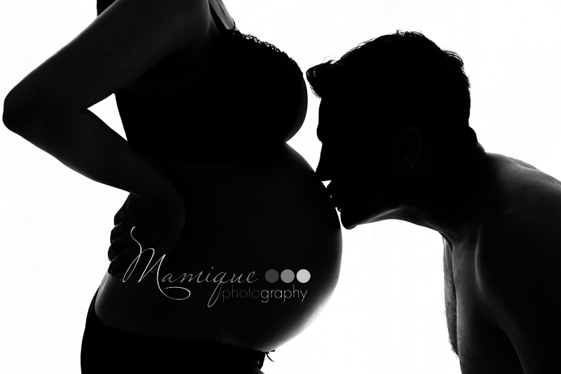 maternity pregnancy kissing belly