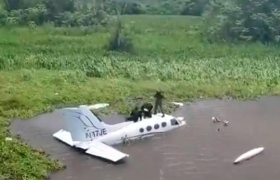 """Diez detenidos por avioneta que despegó de República Dominicana en vuelo""""furtivo"""" a Venezuela"""