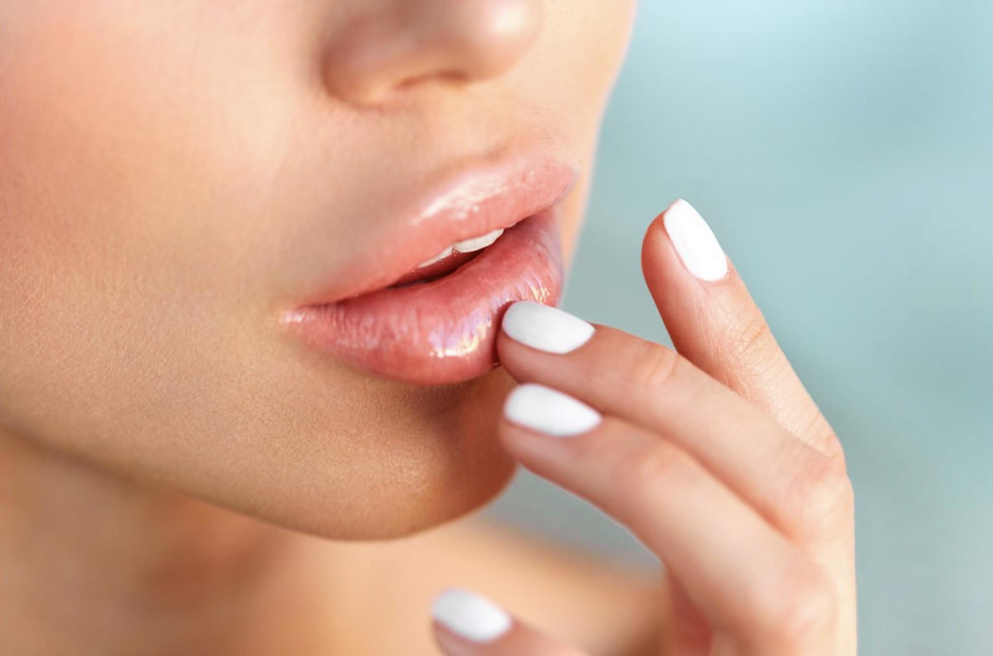 ¿Labios secos y agrietados? Consejos útiles y productos para combatir este problema...