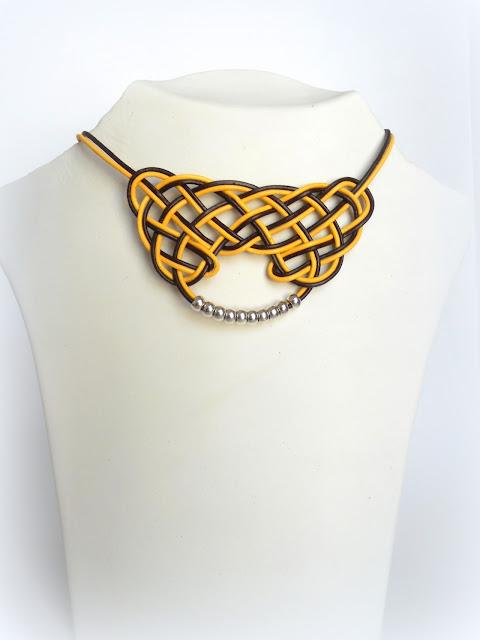 collar-nudo-celta-cuero amarillo