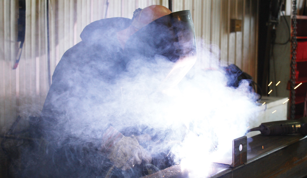 Aluminum fumes are known as a throat irritant when inhaled, and can ...