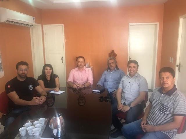 Prefeito Inácio esteve participando de reunião com demais gestores para tratar sobre a reforma da Cadeia Publica de Sumé