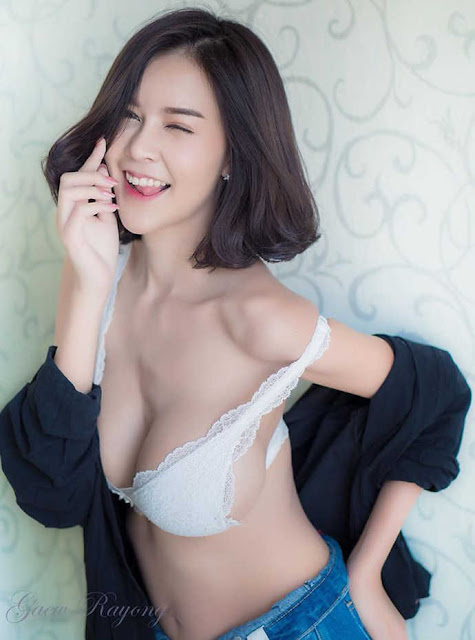 """Cận cảnh nhan sắc hot girl cup E """"siêu vòng một"""" Đông Nam Á, nhìn thôi cũng đã thấy cuộc sống tươi đẹp"""